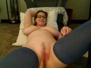 mujer con tetas grandes