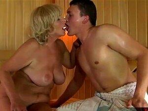Nackt und geil alt Deutsche Oma