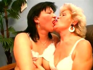 Sex oma lesben Kostenloses oma