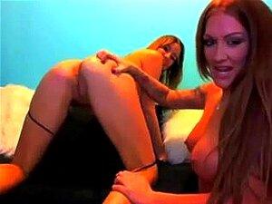 Chicas con polla, dos morenas cachonda en webcam