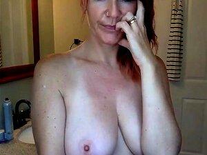 Mamá Sandra 40 vivo en el baño