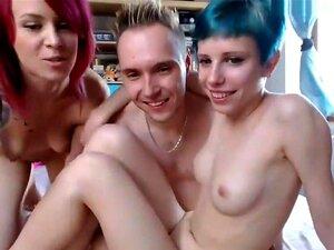 Chica de Chaturbate trío sexo en la webcam