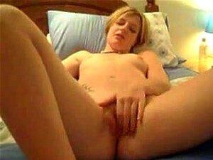 Pelo corto masturbándose, Adorable pelo