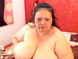 Gorda abuela Flavia se burla con tetas super
