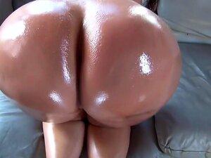 Colombiana diosa con un enorme culo redondo,